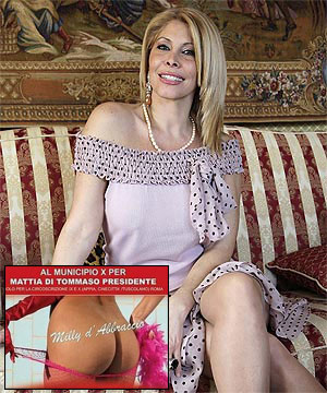Porn star unveils Italy campaign weapon - her bum