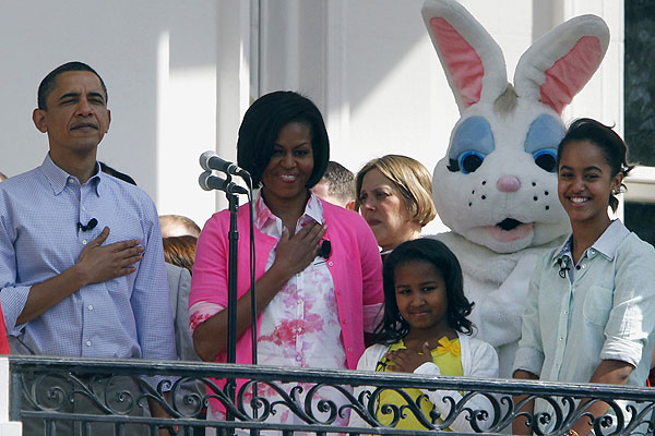 Obama family and Easter Bunny