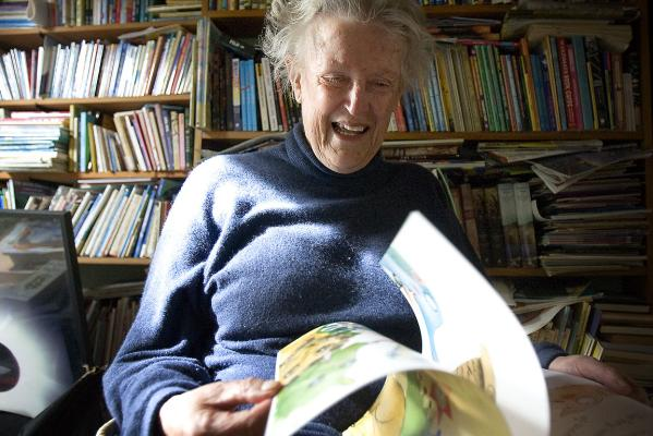 Margaret Mahy at home in Governors Bay in 2008.