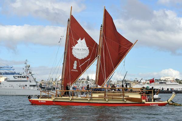 Waka to retrace Maori history 