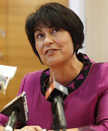 HEKIA PARATA