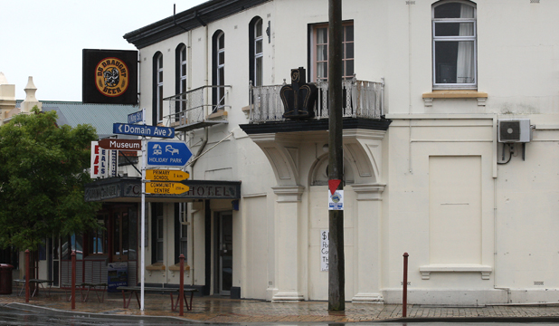 crown hotel temuka
