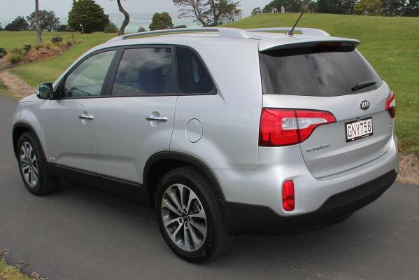 The facelifted Kia Sorento R.