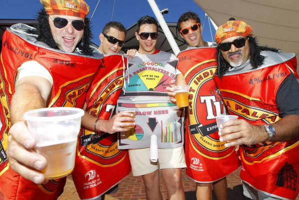 Wellington Sevens 2013: Costumes