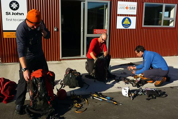 Rescue team packing up