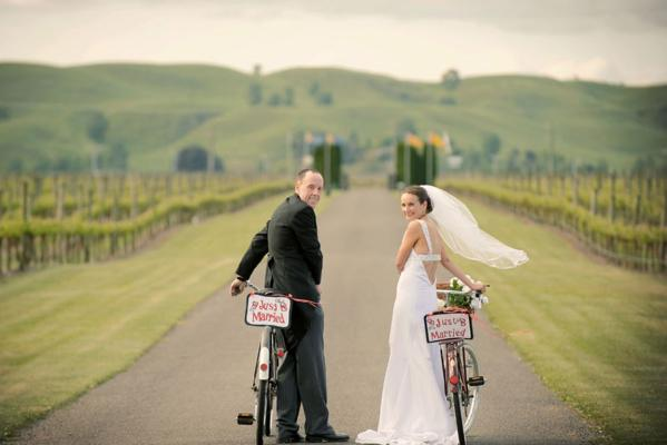 Mike and Julie had a bicycle themed wedding.