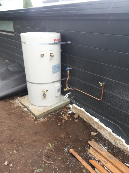 1 hot water cylinder