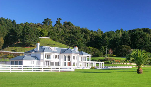 New zealand 39 s most expensive homes for sale for Luxury homes for sale new zealand