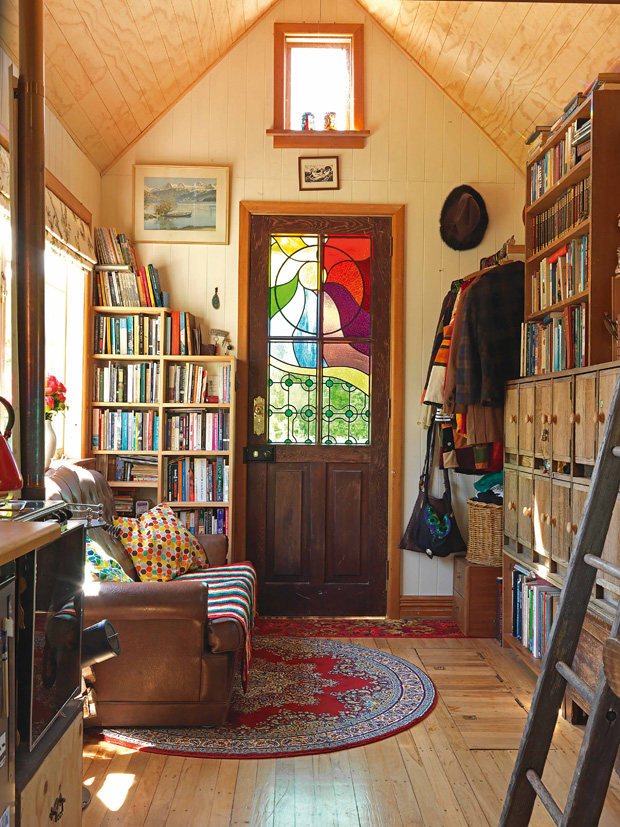 What it 39 s like living in a 14sqm tiny house for Small home designs nz