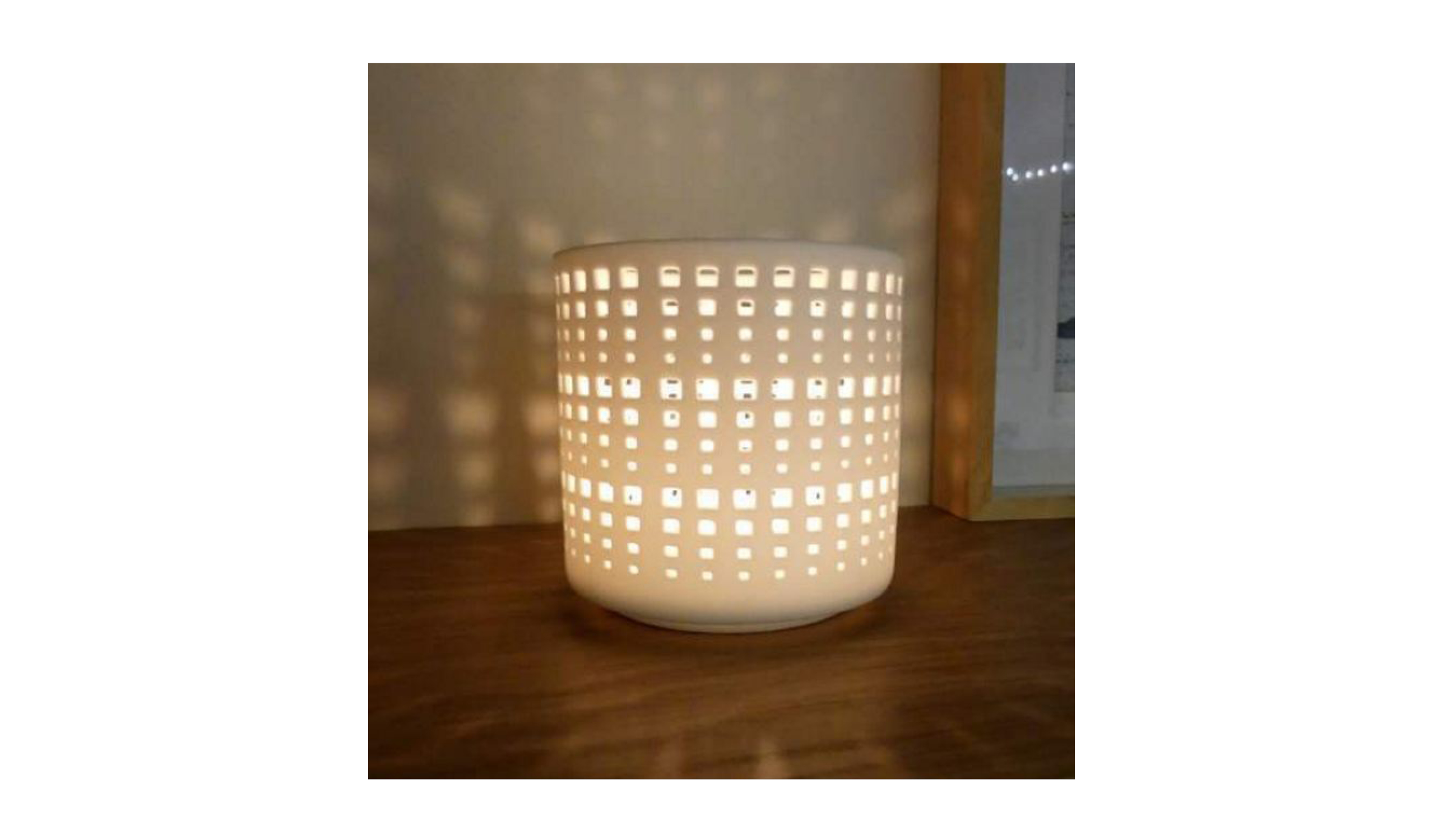 Porcelain T-Light with Hole Texture – White