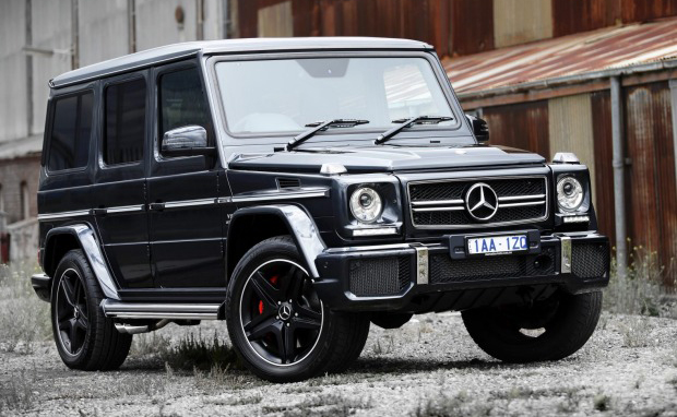 nine of the best luxury suvs that really can go off road. Black Bedroom Furniture Sets. Home Design Ideas