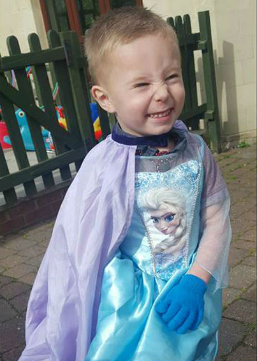 Zackary 3 was excited to show his class his outfit for a performance of Let It Go from the Disney movie Frozen. Photo Haylee Bazen/Facebook  sc 1 st  Stuff.co.nz & Boy criticised by stranger for going to school in Queen Elsa costume ...